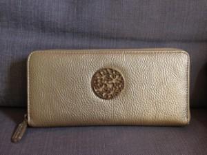 ゴールドの財布